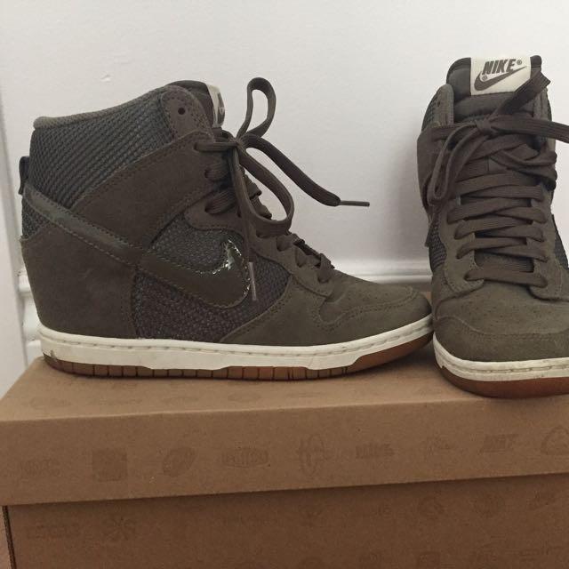 Nike Dunk Sky High Sneaker Size 6