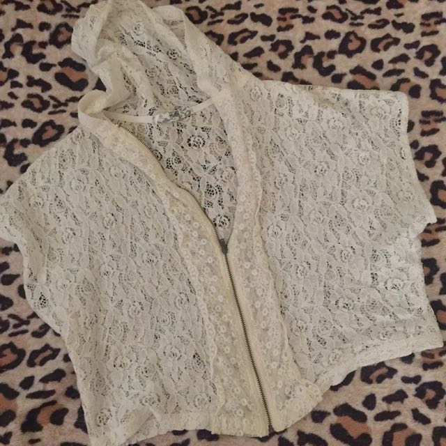 Pre Loved See Through Lace Hoodie Crop Top
