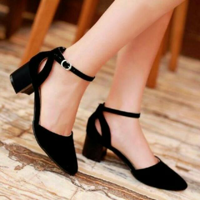 Sepatu sendal high heels