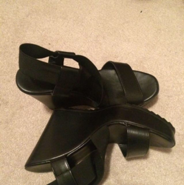 Size 7 Aldo Wedges