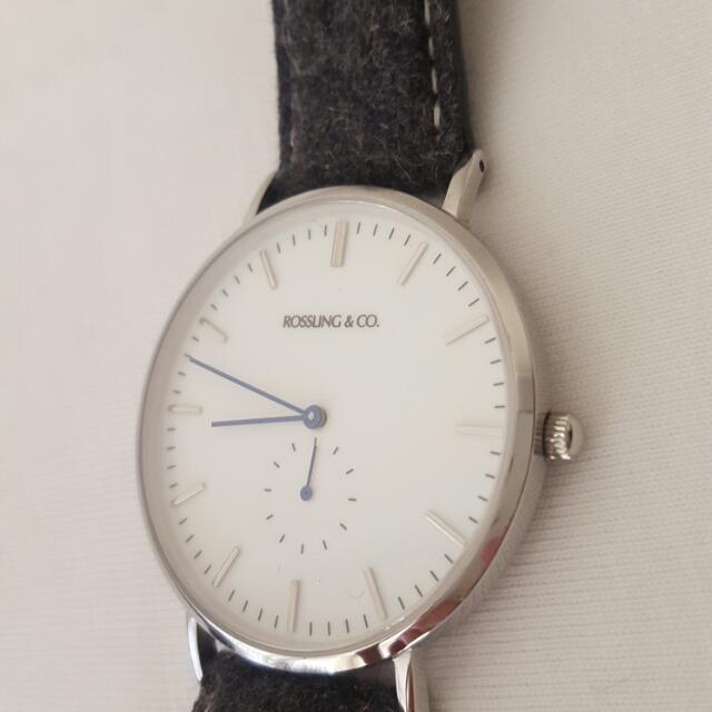 Sophistication. Beautiful dress watch. Quartz movement. 40mm diameter