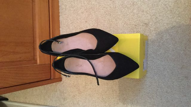 Sportsgirl Pointy Ballet Flats With Strap Black Size 38