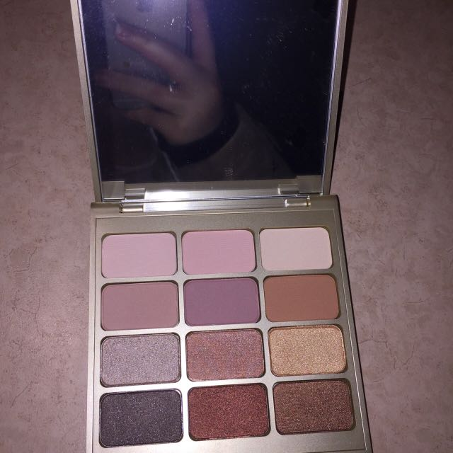Stila Eyeshadow Palette Brand New!