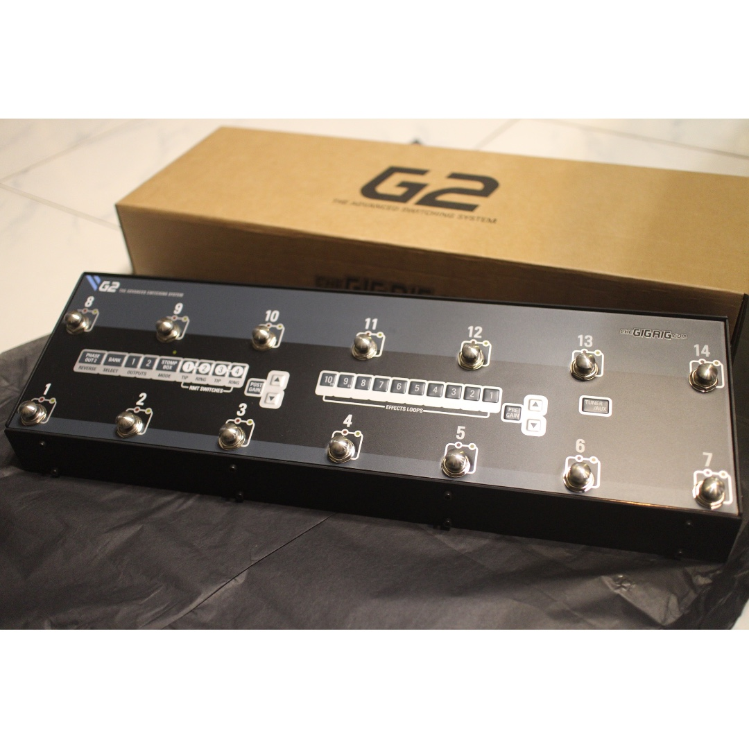 The Gig Rig G2 Pedalboard MIDI Controller, Music & Media
