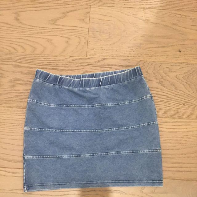 Topshop Stretchy Denim Skirt Size 10