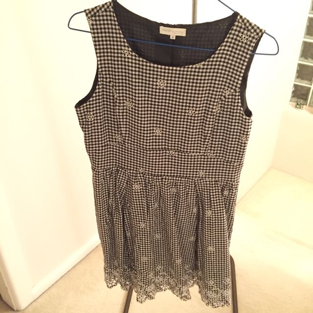 Used Earth Music And Ecology Checked Dress