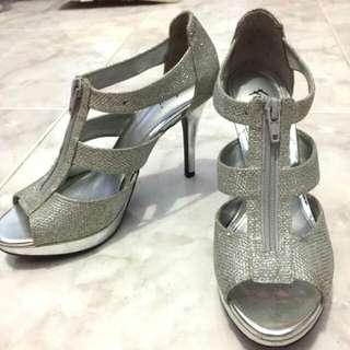 Heells Fiomi