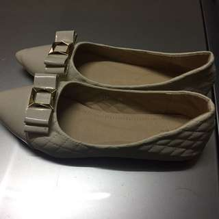 VERNS SHOES CREAM COLOUR