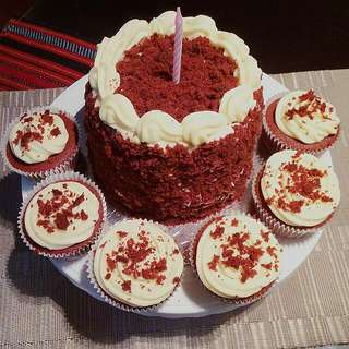 Red Velvet Cake & Cupcakes With Cream Cheese Frosting