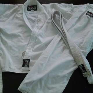 Karate suit uniform, size 0/130 , will fit child between 6-8 yrs
