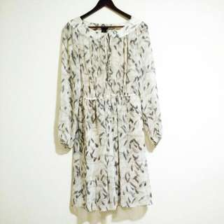 Club Monaco Silk Grey Feather Print Dress Size 4