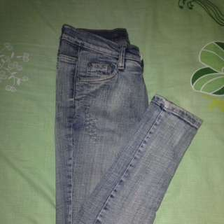 Jeans Ripped Cakar Kucing