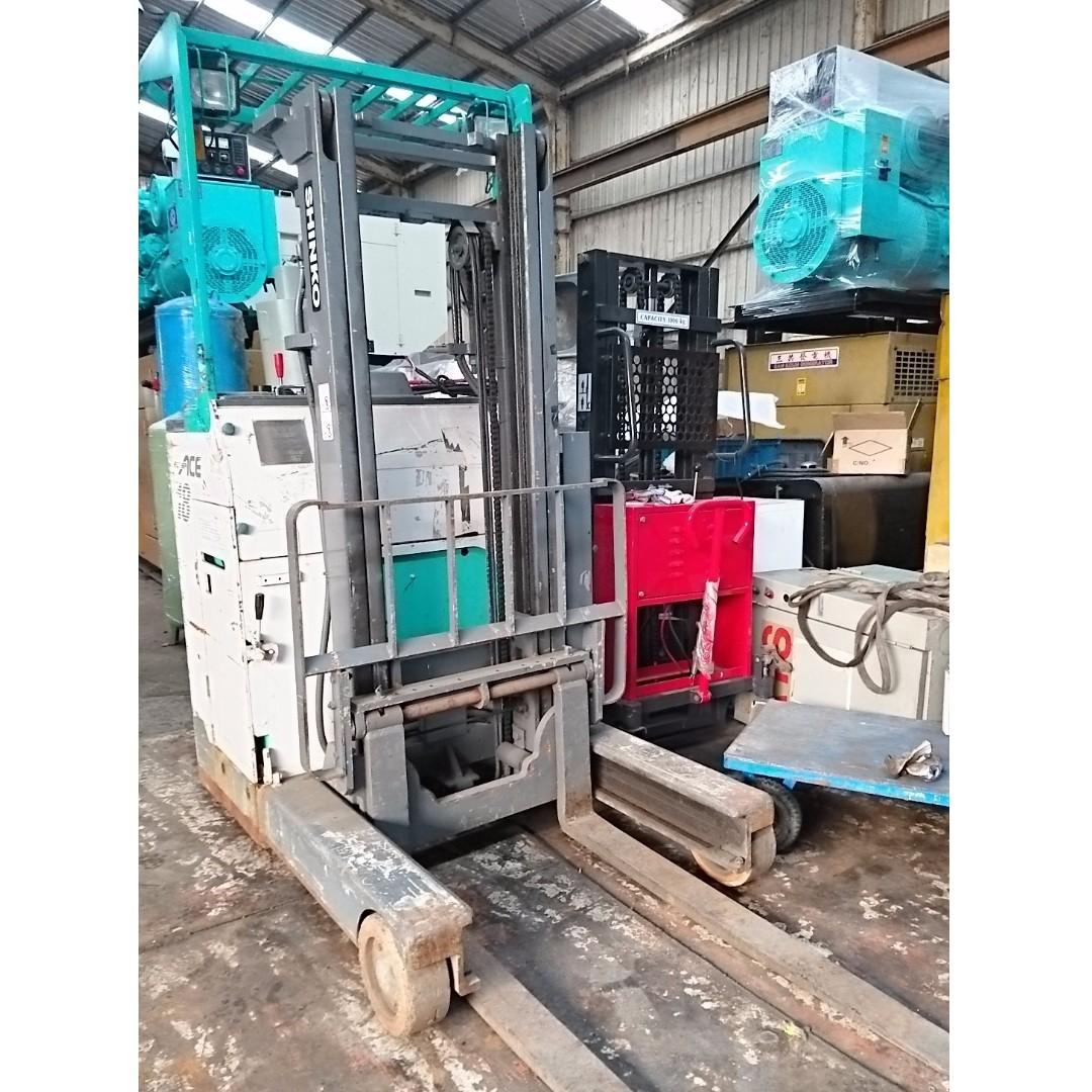 日本原裝立式堆高機.中古電動堆高機.電動堆高機.1.8頓.楊高3米.電池狀況良好.慢來就沒有了