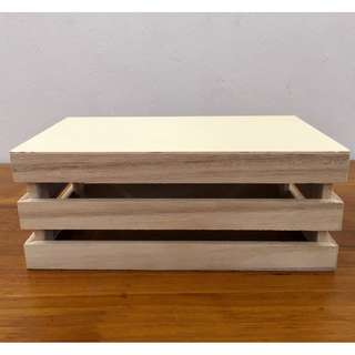 For rent: small wooden crate 2