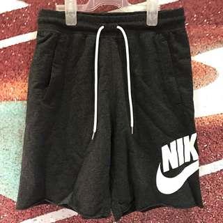 Nike休閒短褲