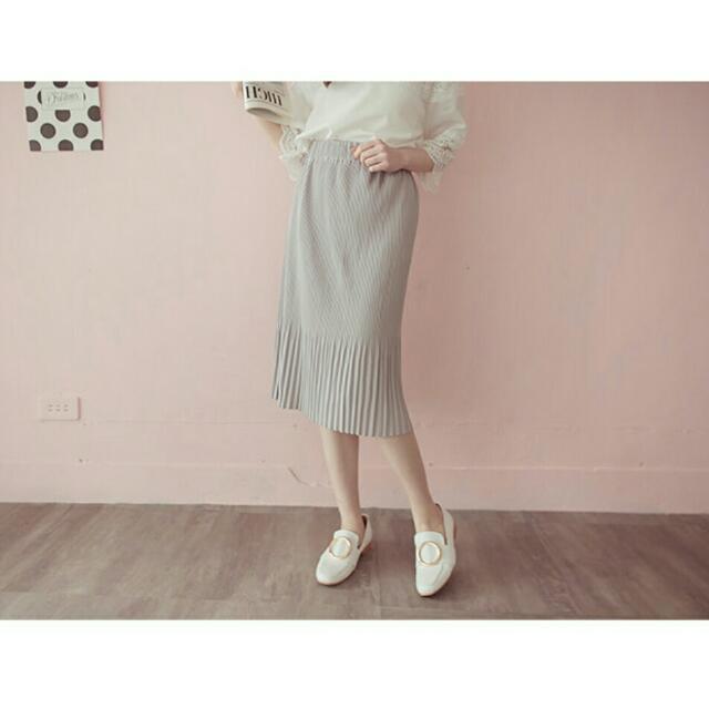 百褶寬窄下擺變化特色長裙-灰色