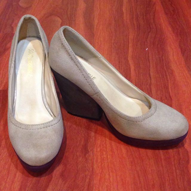 降價 求有緣人 suède 高跟鞋👠 24.5cm