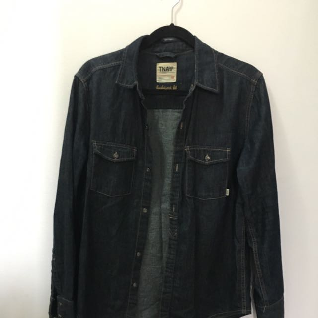 Aritzia Tna Boyfriend Fit Denim Shirt