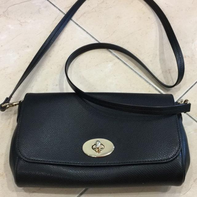(PRICE REDUCED) AUTHENTIC COACH CROSSBODY