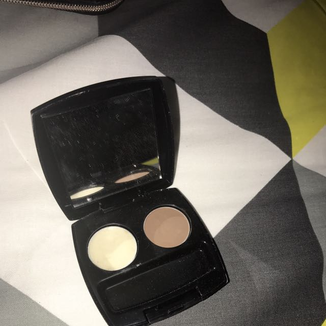 Avon Eyebrow Kit (doesn't Have A Brush With It)