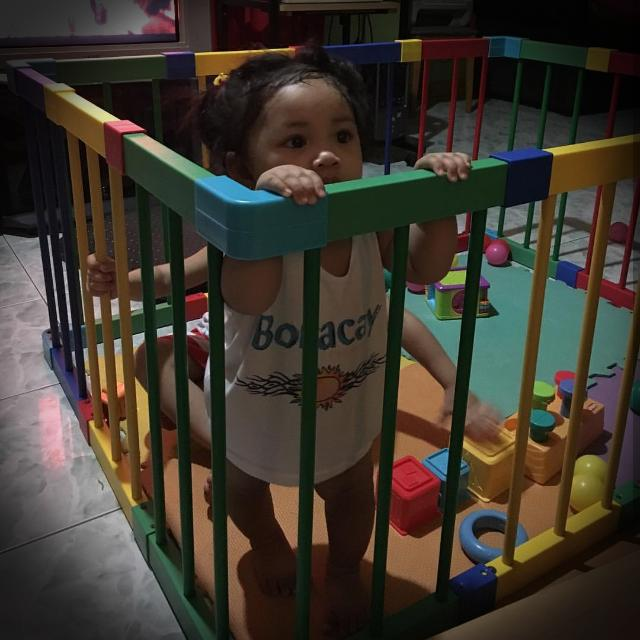 Baby PLAY Yard / Playpen / Cage