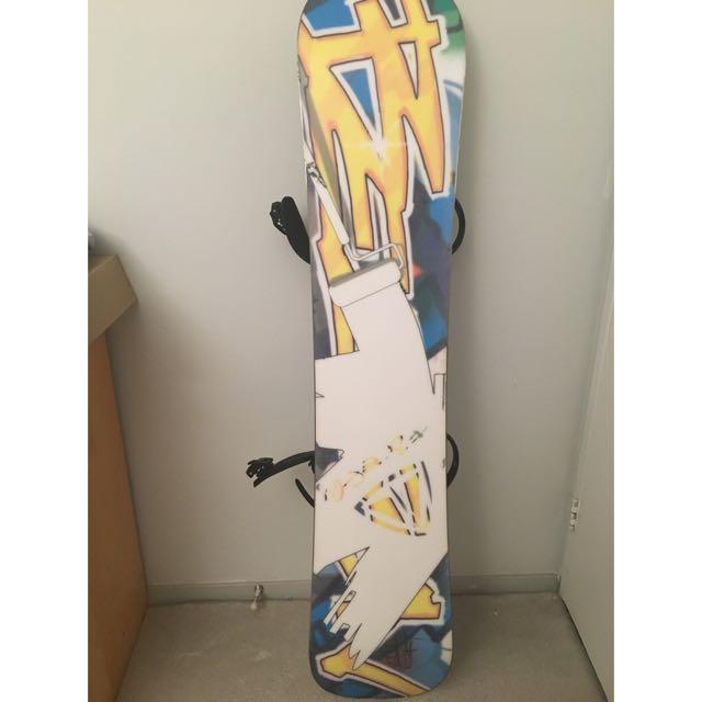 Beacon Snowboard W/ Bindings