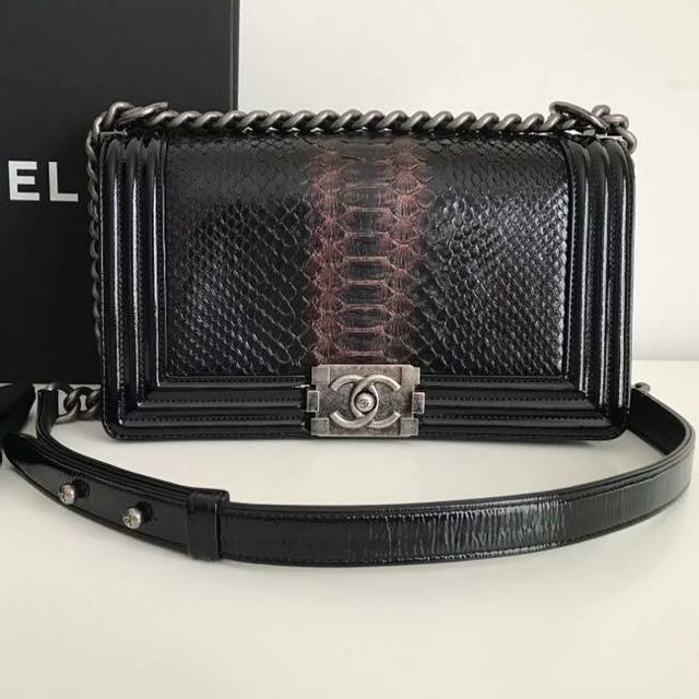 7e3851f03331e2 CHANEL BOY PYTHON EXOTIC SKIN OLD MEDIUM, Luxury, Bags & Wallets on  Carousell