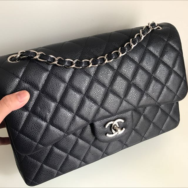 e4bc611734e6 CHANEL JUMBO DOUBLE FLAP DARK NAVY CAVIAR SILVER HW, Luxury, Bags & Wallets  on Carousell