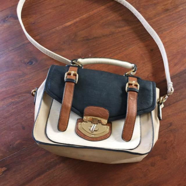 Colette Messenger Bag