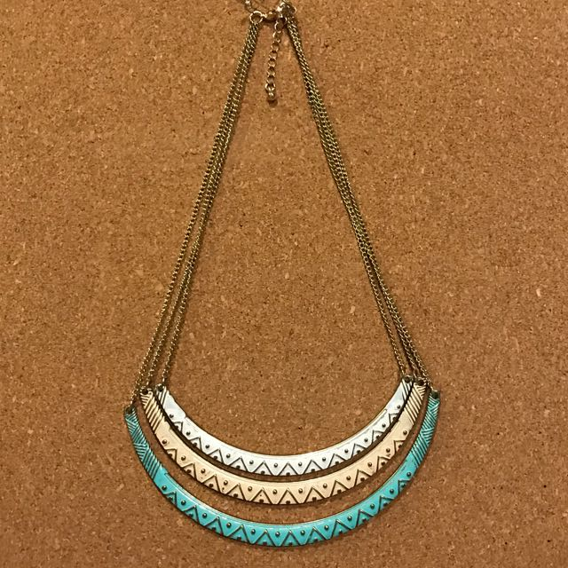 Forever 21 - Kalung 3 Tier Pastel Boho