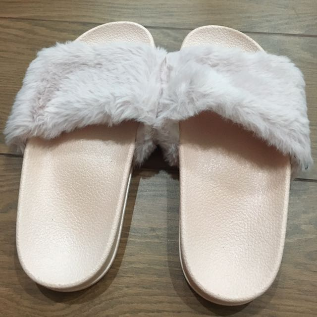 Fur Sandal ( Soft Pink)
