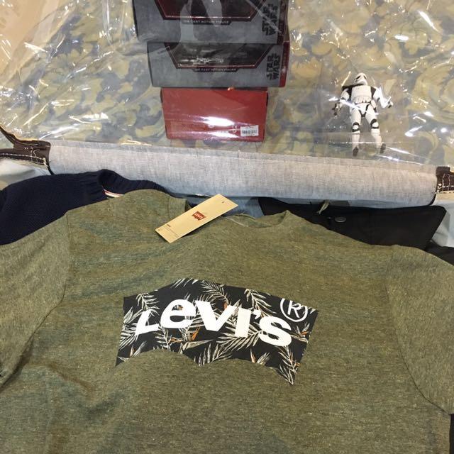 Levi's T恤