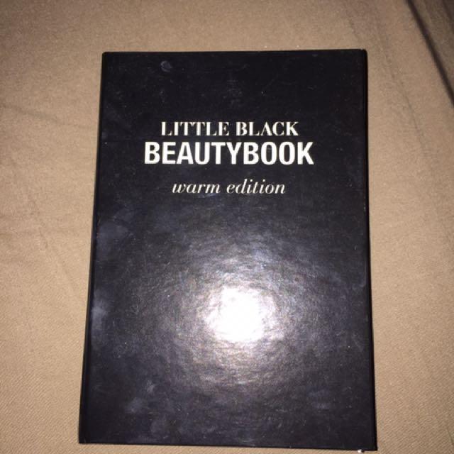 Little black Beauty book Eye Shadow Palette