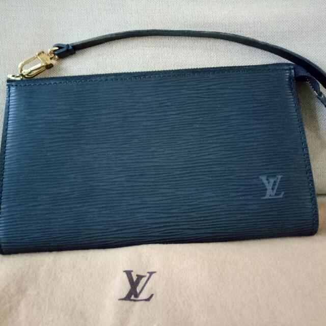 0930c2da8601a Louis Vuitton Epi Leather Pochette (Black Color) , Luxury, Bags & Wallets  on Carousell