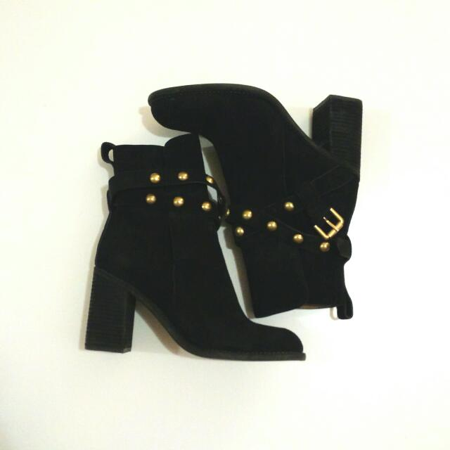 💛 See By Chloe Janis Studded Boots