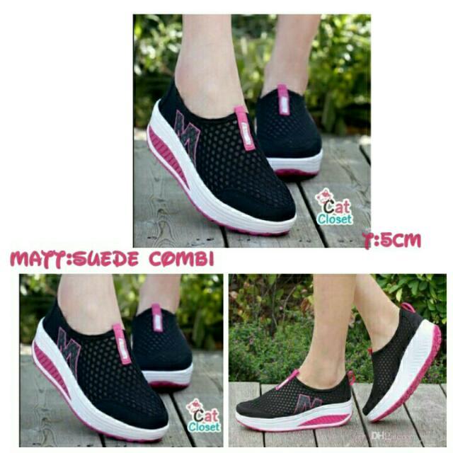 Sepatu Marcoz Black