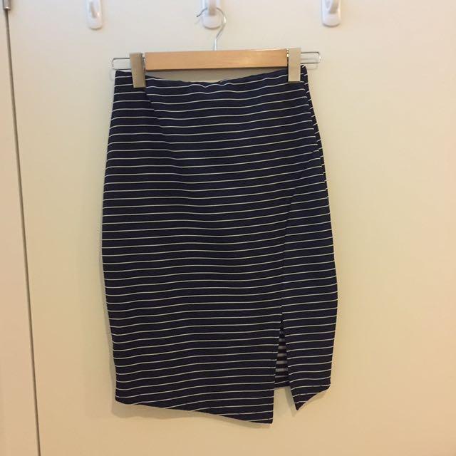 TEMT Midi Skirt
