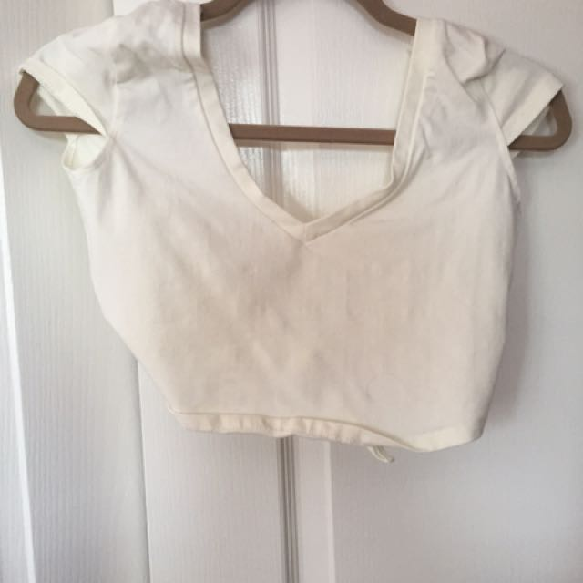 Tobi Crop Top