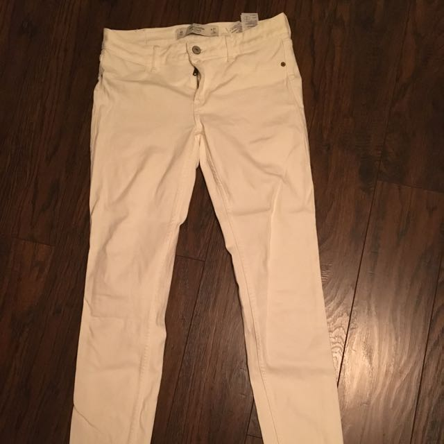 White Abercrombie Jeans/jeggings