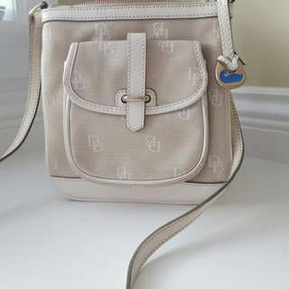 DOONEY AND BOURKE LETTER Carrier Crossbody