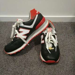 Vintage NEW BALANCE SNEAKERS - 574 (red & black)
