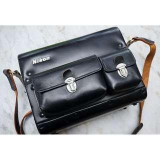 Nikon FB-5 vintage carrying case for nikon slr , collectable