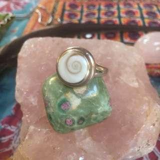 Vintage 925 Silver shell Boho Ring.