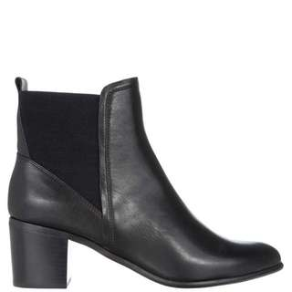 Hush Puppies CARLIE Leather Ankle Boot