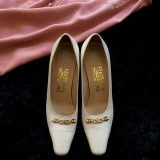 Vintage Salvatore Ferragamo heels size 37-37.5