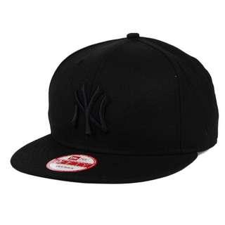 New York Yankees New Era Black on Black 9FIFTY Snapback