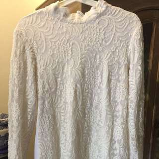 lace blouse  (front only) in off white color. pls see next pics for details