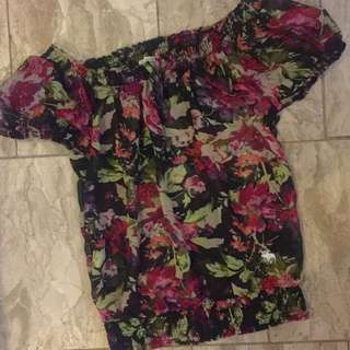 Pre Loved Abercrombie And Fitch Off Shoulder