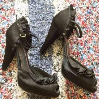 Sepatu Heels Hitam By Payless