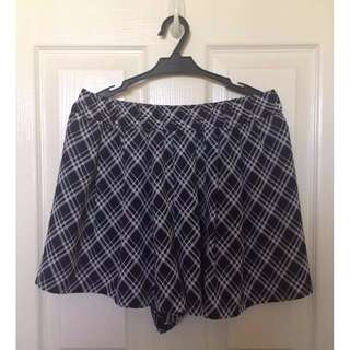 Checkered Stretchable Shorts  #below200